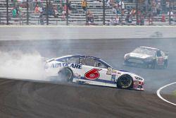 Trevor Bayne, Roush Fenway Racing Ford, kaza