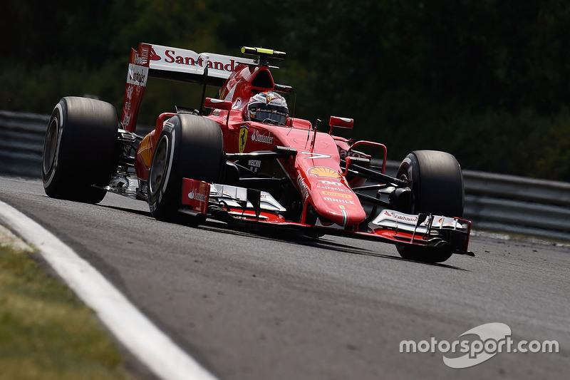 Для Ferrari такой поворот сюжета стал ушатом холодной воды еще и потому, что незадолго до описанных событий Кими сообщил по радио о неполадках в работе мотор-генератора MGU-K, что не позволяло силовой установке развивать полную мощность