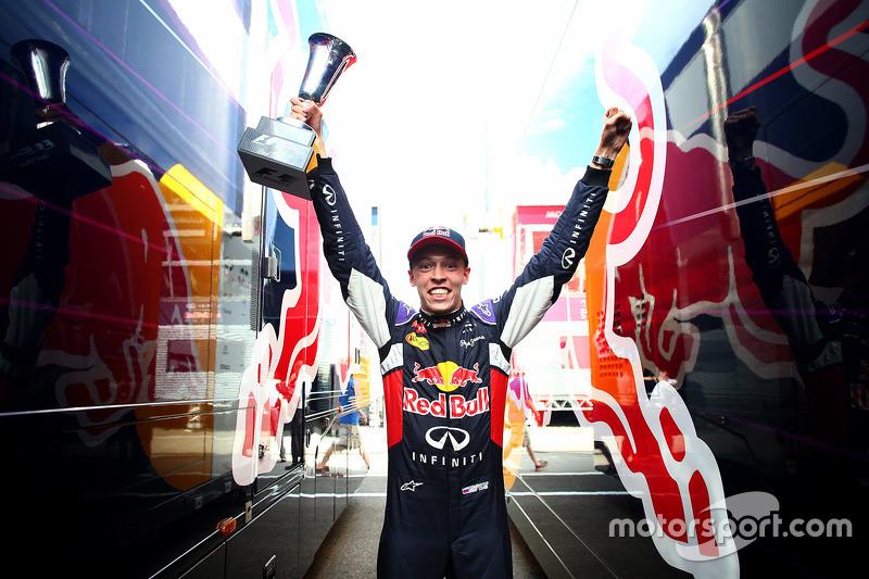 Мы предлагаем вам подборку лучших публикаций Motorsport.com по итогам того воскресного дня в Венгрии