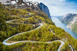 La famosa Lysevegen road