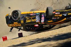 Choque fuerte de el #35 Phoenix American Motorsports Ford Mustang Boss 302: Preston Calvert