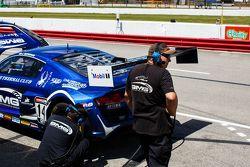 Equipo de mecánicos GMG Racing
