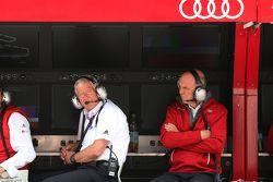 Арно Зенсен, руководитель команды Audi Sport Team Rosberg и доктор Вольфганг Ульрих, руководитель Au