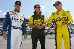 Jamie McMurray, Chip Ganassi Racing Chevrolet y Matt Kenseth, Joe Gibbs Racing Toyota