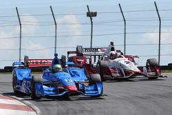 Tony Kanaan, Chip Ganassi Racing, Chevrolet; Juan Pablo Montoya, Team Penske, Chevrolet