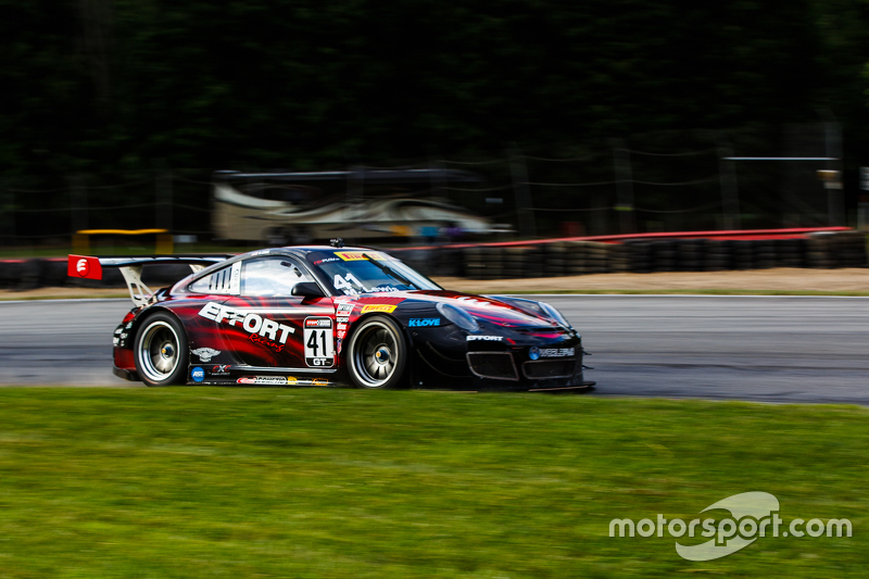 #41 EFFORT Racing Porsche 911 GT3R: Michael Lewis