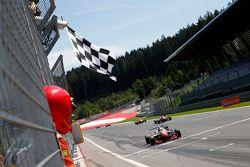 Yarış galibi: Jake Dennis, Prema PowerTeam Dallara Mercedes-Benz