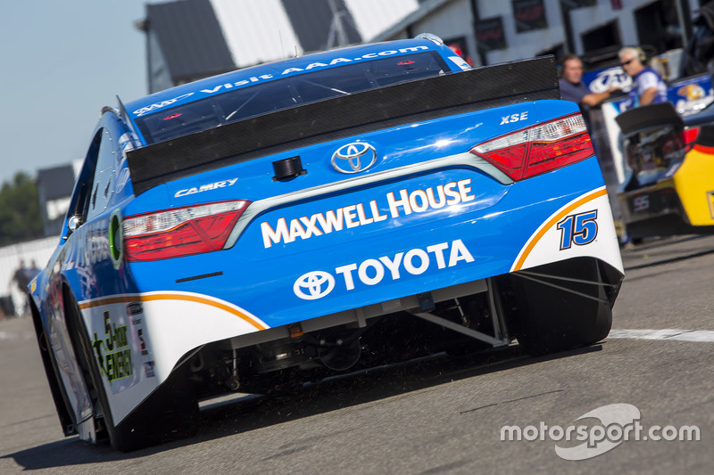 Clint Bowyer, Michael Waltrip Racing Toyota