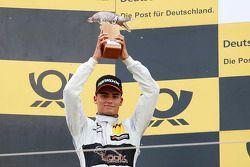 Peringkat kedua Pascal Wehrlein, HWA AG Mercedes-AMG C63 DTM