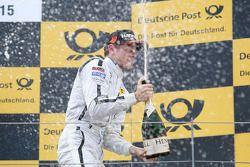 Peringkat ketiga Paul di Resta, HWA AG Mercedes AMG C-Coupé DTM