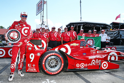 Polesitter Scott Dixon, Chip Ganassi Racing Chevrolet