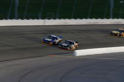 Chris Buescher, Roush Fenway Racing Ford and Chase Elliott, JR Motorsports Chevrolet