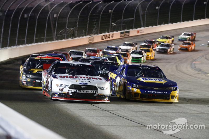 Restart: Ryan Blaney, Team Penske Ford leads