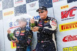 El segundo puesto # 73 GTSport Racing Porsche Cayman S: Jack Baldwin