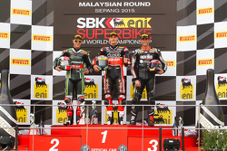 Podio gara 2: Jonathan Rea, Kawasaki, Chaz Davies, Ducati Team, Jordi Torres, Aprilia Racing Team