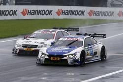 Maxime Martin, BMW Team RMG BMW M4 DTM memimpin Paul di Resta, HWA AG Mercedes-AMG C63 DTM