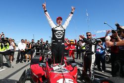 Graham Rahal, Rahal Letterman Lanigan Racing Honda, célèbre sa victoire