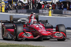Graham Rahal, Rahal Letterman Lanigan Racing Honda, remporte la victoire