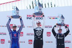 Podium: race winner Graham Rahal, Rahal Letterman Lanigan Racing Honda, second place Justin Wilson,