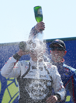 Podium : 1er Graham Rahal, Rahal Letterman Lanigan Racing Honda, 2e Justin Wilson, Andretti Autosport Honda