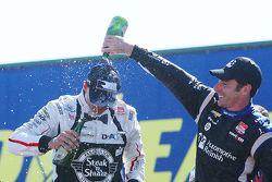 Podium : 1er Graham Rahal, Rahal Letterman Lanigan Racing Honda, 3e Simon Pagenaud, Team Penske Chevrolet