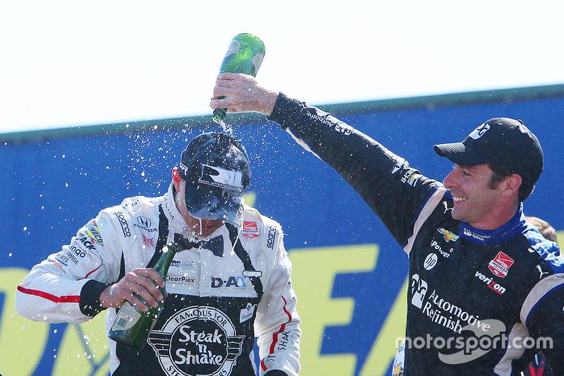 Podium: race winner Graham Rahal, Rahal Letterman Lanigan Racing Honda, third place Simon Pagenaud, Team Penske Chevrolet