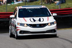 La voiture de sécurité Honda
