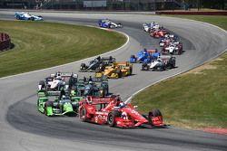Départ : Scott Dixon, Chip Ganassi Racing Chevrolet, en tête de la course