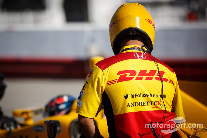 Anggota kru Andretti Autosport