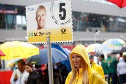 Chica de la parrilla de Mattias Ekström, Audi Sport Team Abt Sportsline