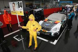 Гридгёрл Максимилиана Гётца, Mücke Motorsport Mercedes-AMG C63 DTM