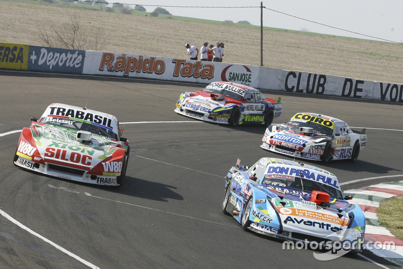 Мартін Понте, Nero53 Racing Dodge та Маріано Алтуна, Altuna Competicion Chevrolet та Мартін Серрано, Coiro Dole Racing Dodge та Хуан Мартін Трукко, JMT Motorsport Dodge