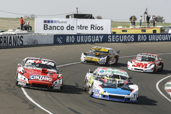 Emiliano Spataro, UR Racing Dodge and Matias Rossi, Donto Racing Chevrolet and Leonel Pernia, Las To