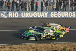 Mauro Giallombardo, Maquin Parts Racing Ford and Leonel Pernia, Las Toscas Racing Chevrolet