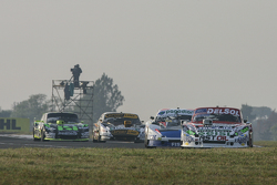 Хуан Пабло Джанніні, JPG Racing Ford та Еміліано Спатару, UR Racing Dodge та Леонель Пернія, Las Tos