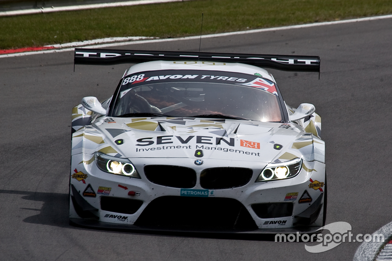 #888 Triple Eight Racing BMW Z4 GT3: Lee Mowle, Joe Osborne