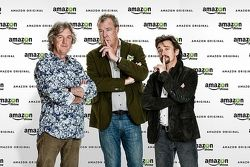 O trio Jeremy Clarkson, Richard Hammond e James May assinaram com a Amazon