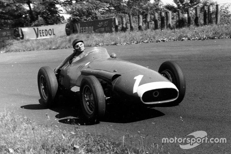 """""""Los cinco títulos de Fangio son insuperables"""". Ayrton Senna"""