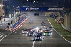 إنطلاقة سباق البحرين ضمن تحدي كأس بورشه جي تي 3 الشرق الأوسط