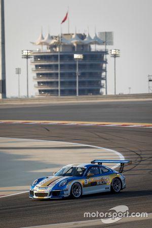 كليمس شميد في حلبة البحرين ضمن تحدي كأس بورشه جي تي 3 الشرق الأوسط