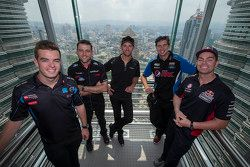Scott McLaughlin, Garry Rogers Motorsport and Todd Kelly, Nissan Motorsports and Will Davison, Erebu