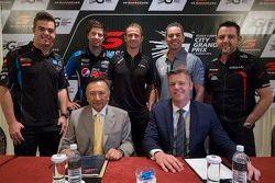 Scott McLaughlin, Gary Rogers Motorsport y Chaz Mostert, Prodrive Racing Australia y Will Davison, E