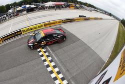 #93 HART Honda Civic Si: Chad Gilsinger, Ryan Eversley gana en su categoría