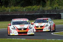 Gordon Shedden, Honda Yuasa Racing y Matt Neal, Honda Racing Civic Type R