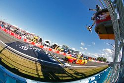 Joey Logano, equipo Penske Ford se lleva la victoria