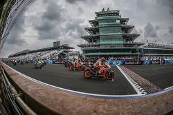 Largada: Marc Marquez, Repsol Honda Team leads