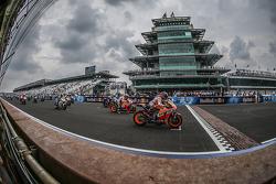 Start: Marc Marquez, Repsol Honda Team leads