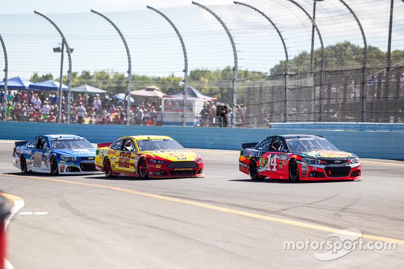 Тоні Стюарт, Stewart-Haas Racing Chevrolet та Джой Логано, Team Penske Ford та Дейл Ернхардт мол., H