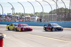 Ryan Newman, Richard Childress Racing Chevrolet and Jamie McMurray, Chip Ganassi Racing Chevrolet an