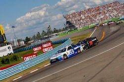 David Ragan, Michael Waltrip Racing Toyota ve Martin Truex Jr., Furniture Row Racing Chevrolet